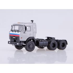 Масштабная модель КАМАЗ-54115 седельный тягач